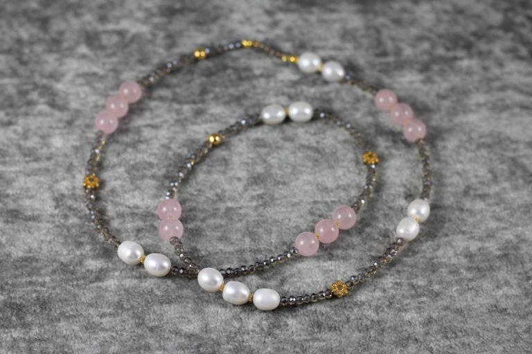 Kette mit Perlen & Rosenquarz